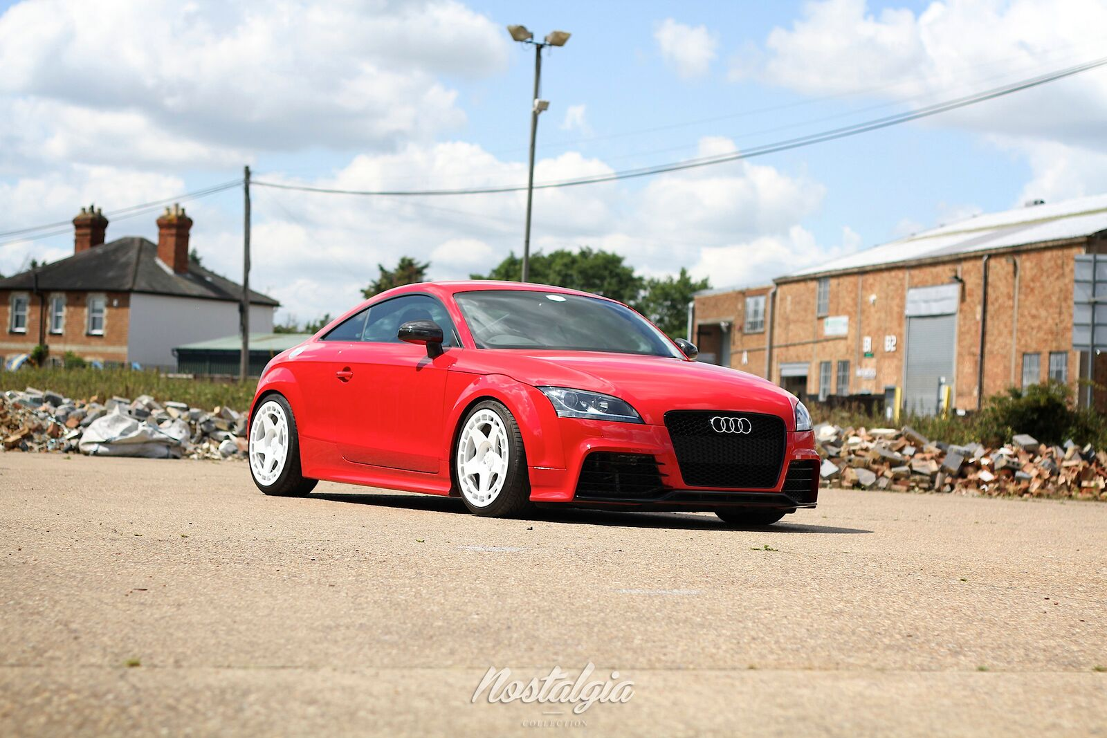 Seans' (@seansy) red Mk2 Audi TT on Rally White Turbomacs.